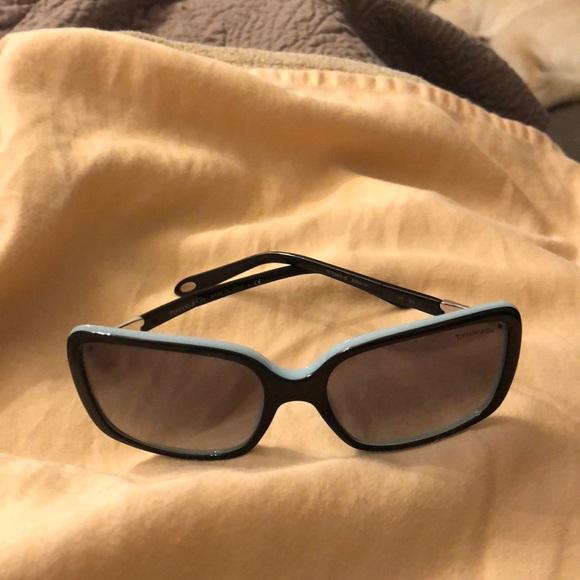 e1ba934eec68 Tiffany sun glasses. M 5ab85280b7f72bd60984589d